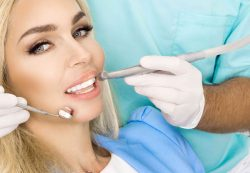 Как выбрать врача для имплантации зубов