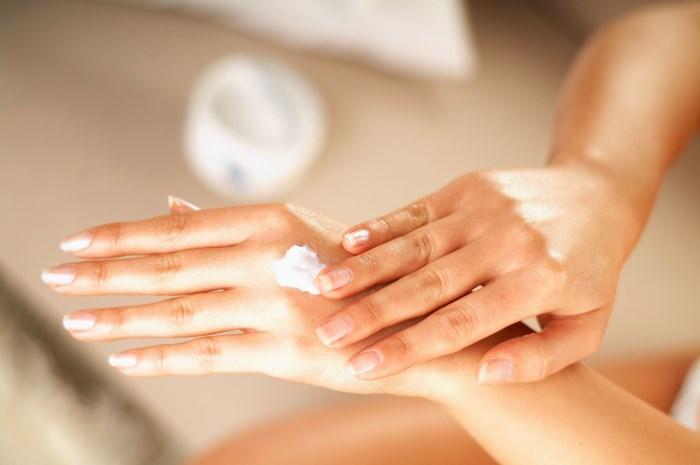 Что делать, если обветрились руки