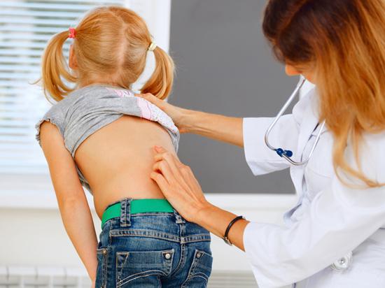 «Кривая спина» оказалась не единственным следствием неправильной посадки детей в школе