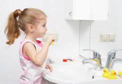 Как защитить детские зубы от кариеса