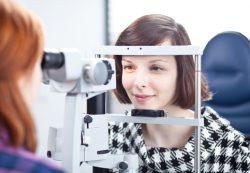 Обследование и лечение заболеваний зрения в Татарстане: услуги клиники «Планета Оптика»