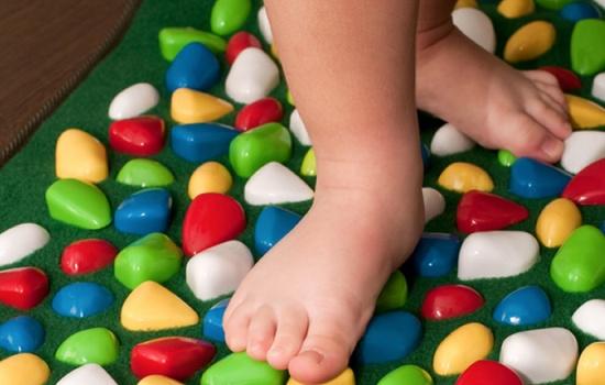 Лечение плоскостопия у детей в домашних условиях — реально?