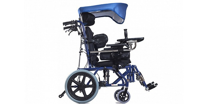 Виды детских инвалидных колясок и их преимущества