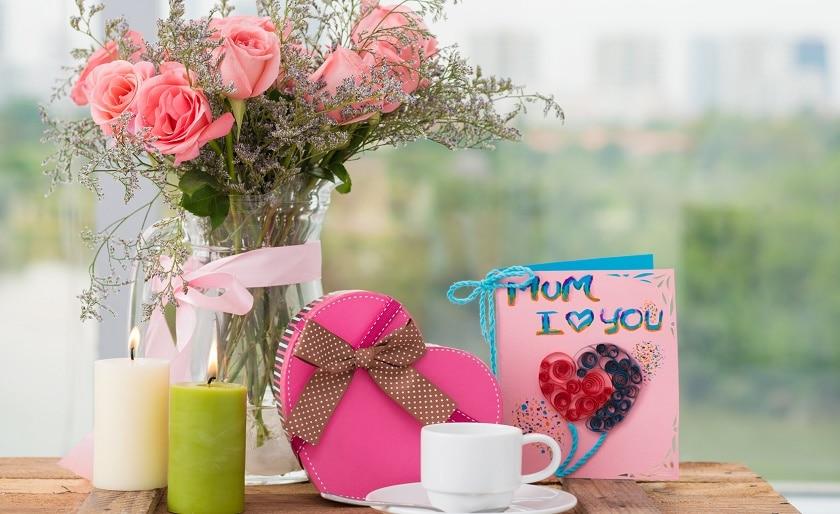 Порадовать дорогую маму подарком на День Рождения — интересные идеи!