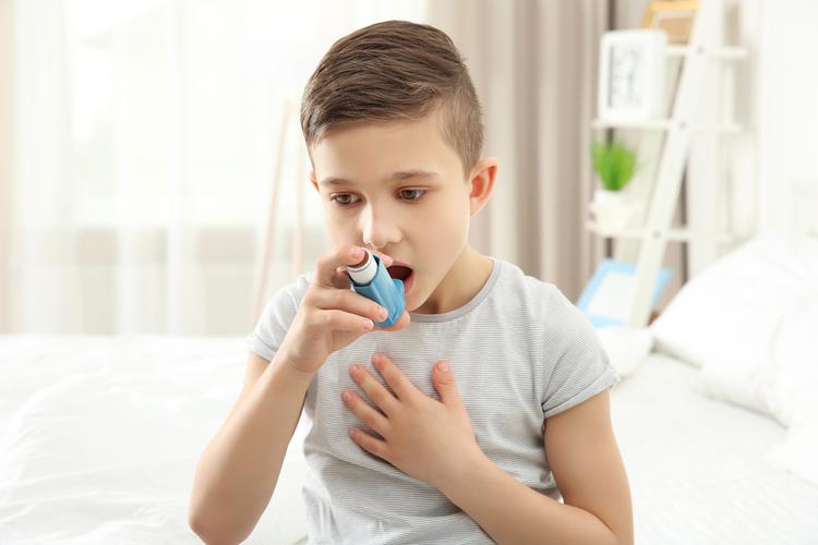 Дети с бронхиальной астмой допускают серьезные ошибки при ингаляциях