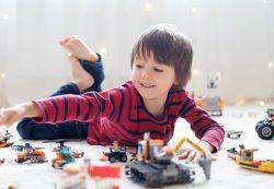Чем меньше игрушек, тем счастливее ребенок — доказано учеными