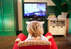 Вреден ли ребенку просмотр телевизора