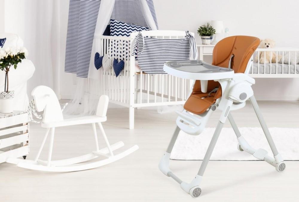 Покупка первого столика и стульчика ребенку