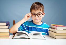 С какого возраста надо водить ребенка к офтальмологу?