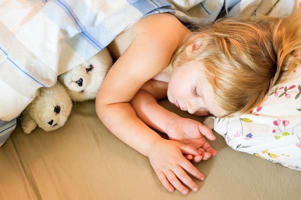 Детский энурез: что делать родителям при этой проблеме