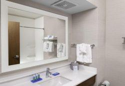 Отдельная ванная и туалетная комната для ребенка: не только удобство, но и безопасность