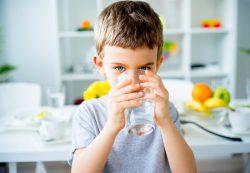 Вода для детей полезнее газировки