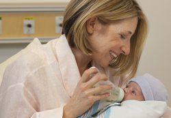Как возраст матери влияет на ребенка