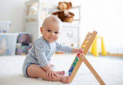 Раннее развитие детей: за и против