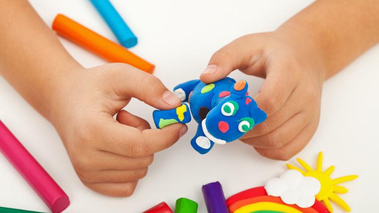 Чем можно занять ребенка? О пользе лепки