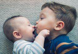 Отношение к ребенку в семье: как растить детей умными?