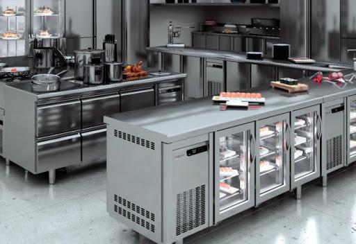 Холодильное оборудование для ресторанов в Украине: где купить холодильный стол?