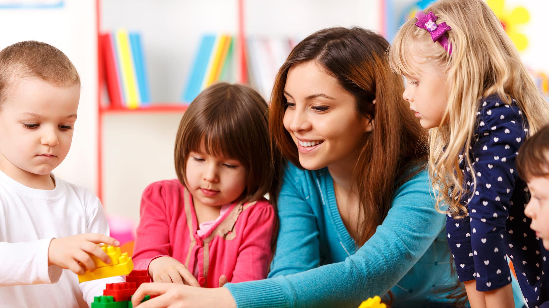 Как воспитать у ребенка правильное отношение к деньгам