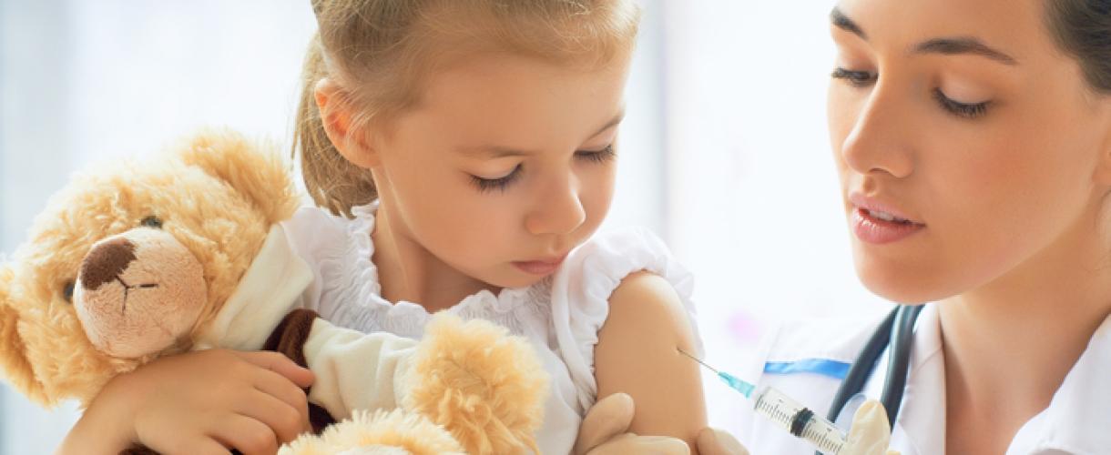 Как лечить простуду у детей до года
