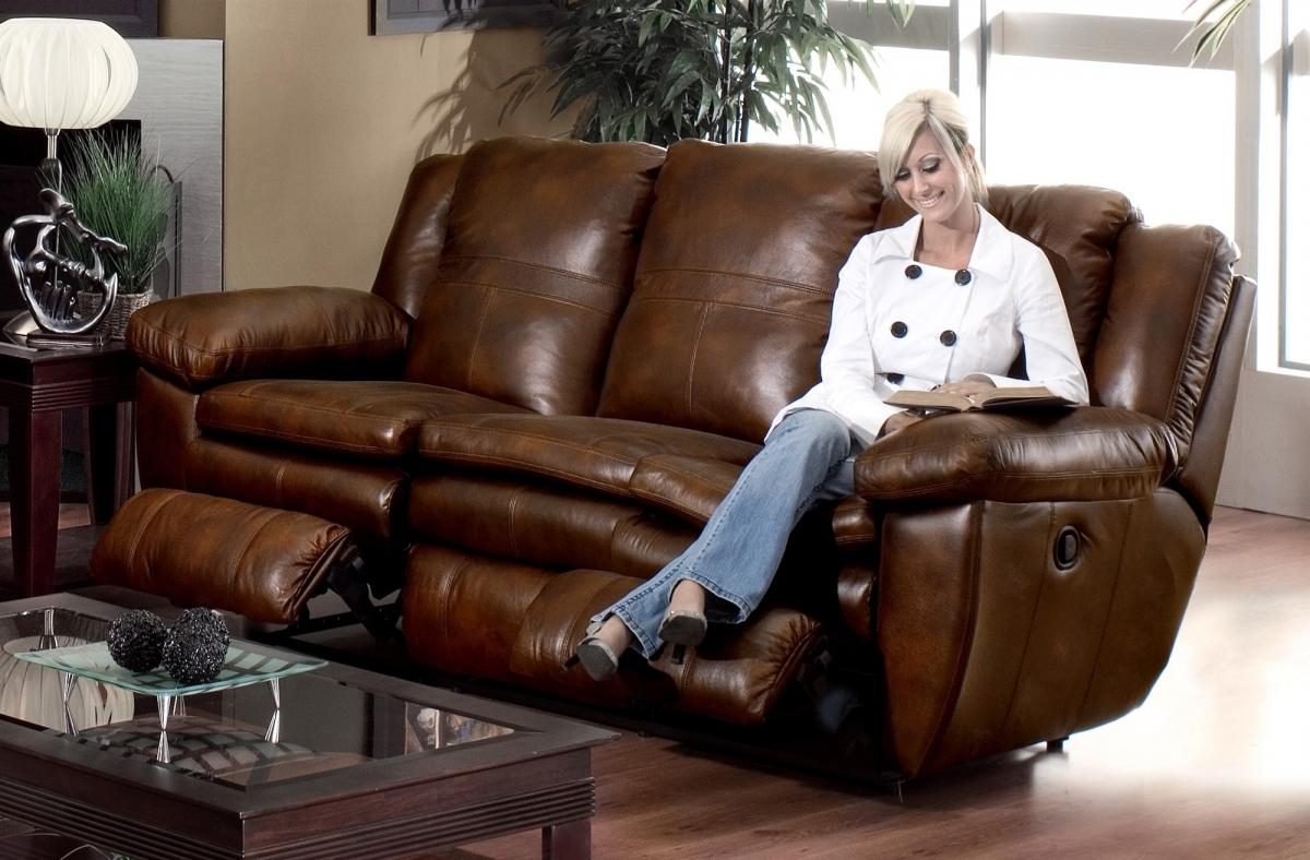 Уход за кожаным диваном