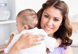 Почему мамы держат младенцев слева — ответ ученых