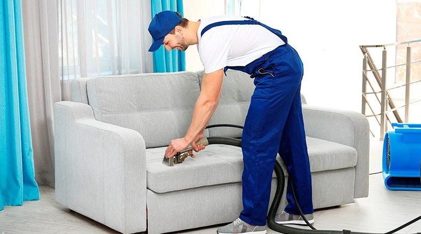Зачем нужна химчистка диванов?