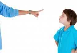 Какие ошибки в воспитании допускают родители?
