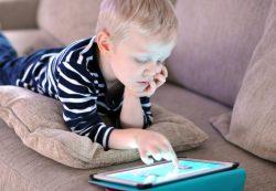 Что делать, если ребенок стал игроманом?