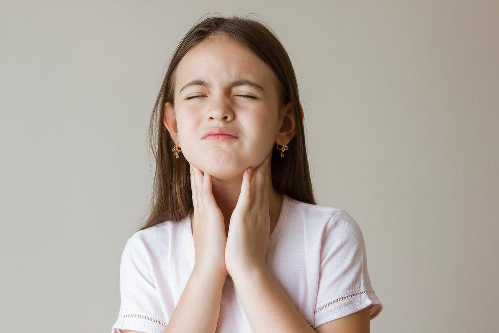 Как проявляется и лечится лимфаденит у детей?