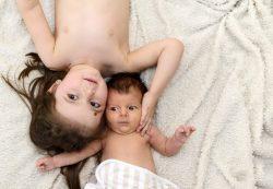 Правильное прикладывание к груди новорожденного