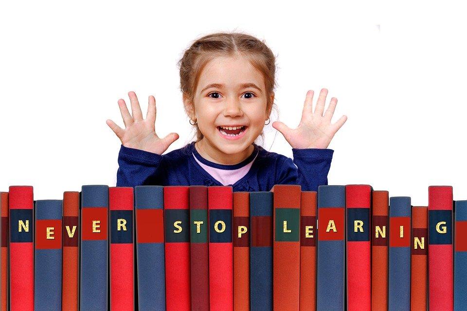 Отдавать ли ребенка в школу с углубленным изучением иностранного языка