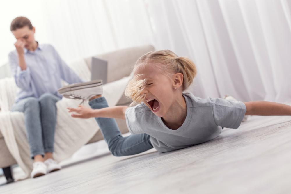 Детские истерики: причины и реагирование