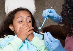 Ребенка невозможно заставить лечить зубы. Как быть?
