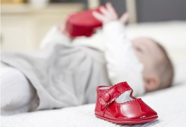 Первая обувь для малыша: как правильно выбрать «башмачки» на первые шаги?