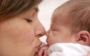 Чем пахнет из носа ребенка? Причины появления неприятного запаха из носа ребенка
