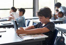 Почему современные дети не умеют ждать и с трудом переносят скуку