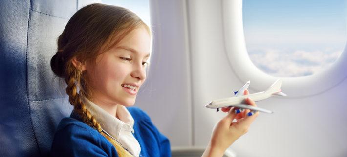 Ребенок боится лететь на самолете. Что делать?