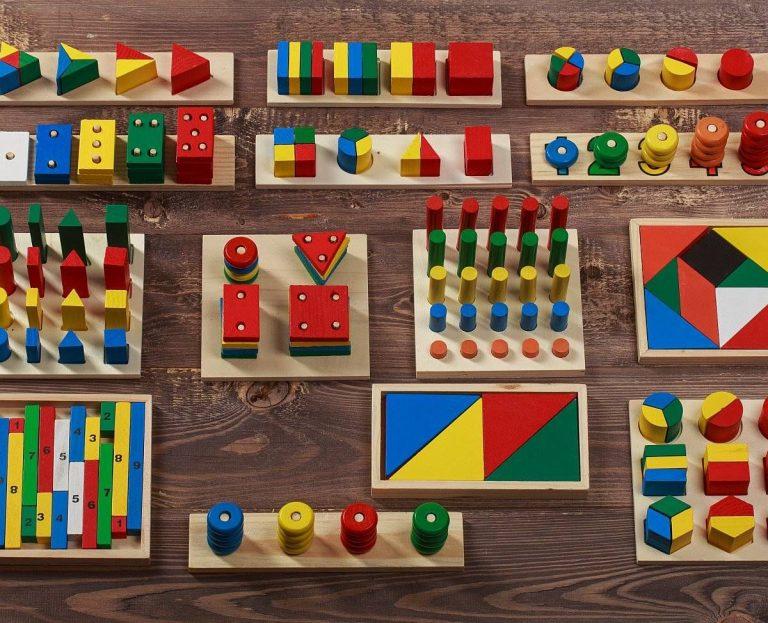 Какие бывают игрушки Монтессори для детей