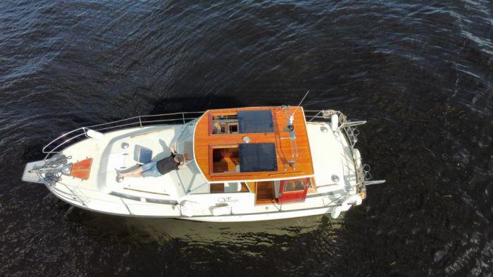 Аренда яхты в СПб для вечеринок до 8 человек