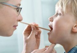 Частые ангины у ребенка: причины и лечение