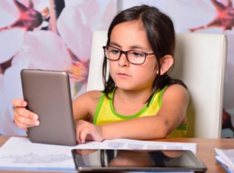 Сколько времени ребенок может проводить за монитором